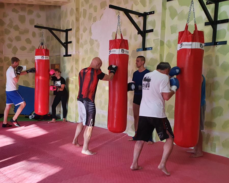 boxující muži